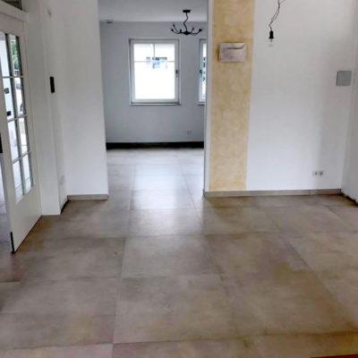 große beige Fußboden Fliesen